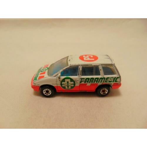 Nissan Prairie Ambulance 1:59 Matchbox wit