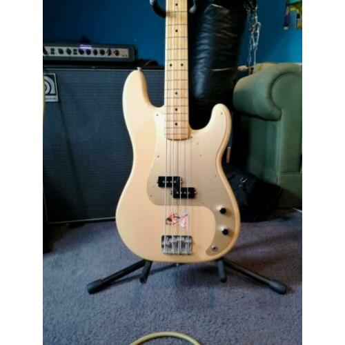 Fender Precision Bass Classic Series 50s Honey Blonde